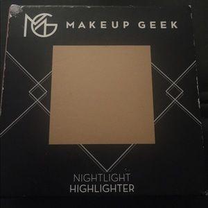 5/$50 Swatched Makeup Geek Highlighter